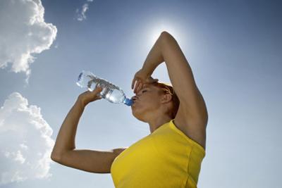 Hacer ejercicio durante la lactancia no supone riesgos para los bebés