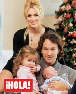 Carolina Cerezuela y Carlos Moyá presentan a su hijo en Hola