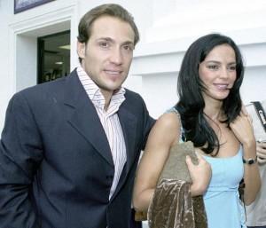 Antonio David Flores y su mujer Olga, padres de un niña