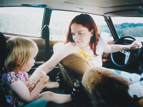 ¿Qué hacer para que los niños no se mareen en el auto?