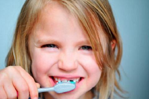 ¿Cuándo comenzar con la higiene bucal en los bebés?
