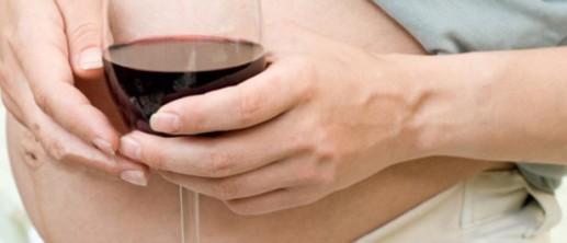 El consumo controlado de alcohol durante el embarazo no produciría consecuencias en los niños