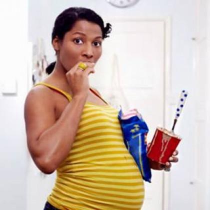 Efectos negativos de la comida chatarra en el embarazo