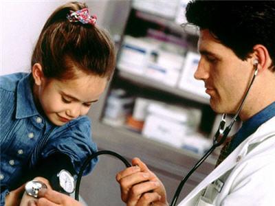 Recomiendan controlar la presión arterial desde los cinco años