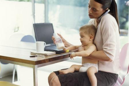 Los padres que trabajan todo el día son propensos a tener hijos agresivos