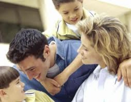Crecer en un ambiente cariñoso favorece el desarrollo cerebral en los niños