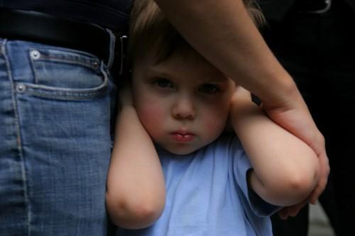 Los ruidos fuertes afectan el aprendizaje de los niños